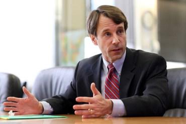 California Insurance Commissioner Dave Jones (Katie Falkenberg/Los Angeles Times via Getty Images)