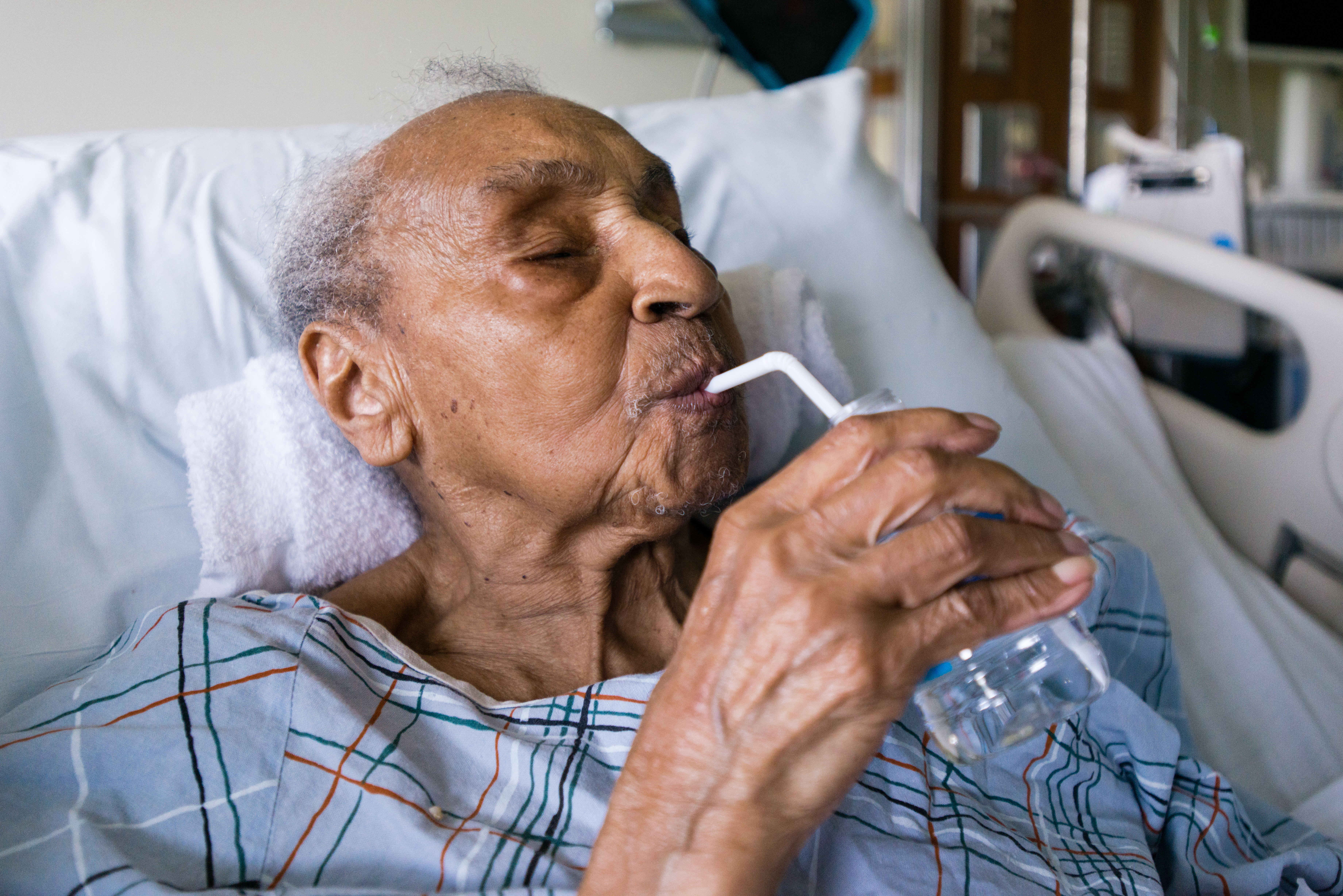 Hattie Hill, 105, was admitted to Mt. Sinai Hospital in New York on May 24, 2016. Hill, who has arthritis and a history of strokes, said she prefers the emergency room for seniors because of the extra attention. (Heidi de Marco/CHL)