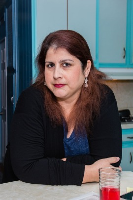 Rosemary Navarro, 40, at her home in La Habra, California, in December 2016. (Heidi de Marco/KHN)