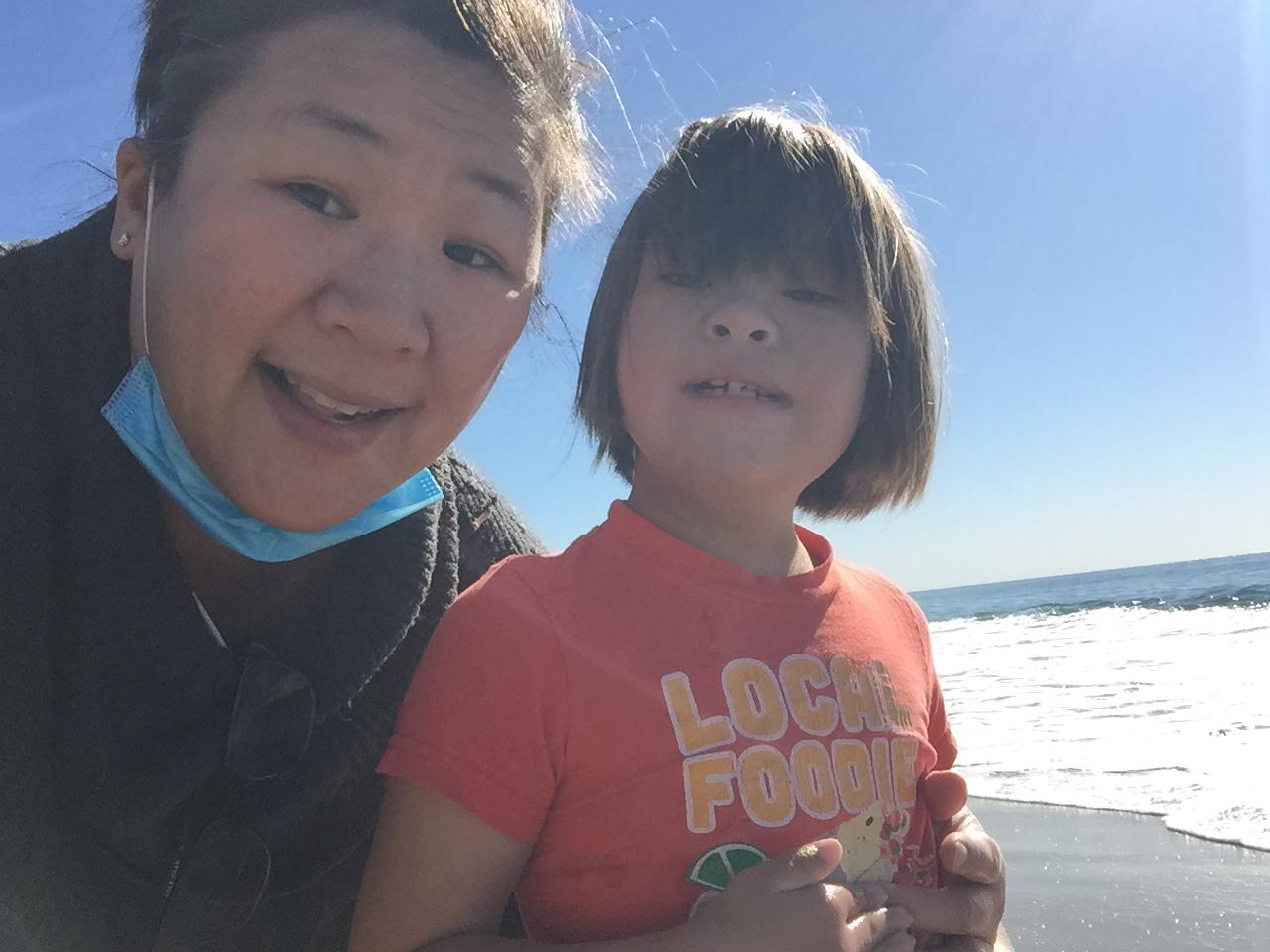 En California, los cuidadores de personas con discapacidades están siendo rechazados en los sitios de vacunación COVID